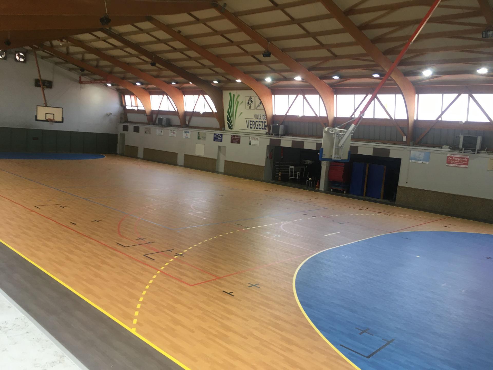 terrain multisport salle Municipale Vergeze