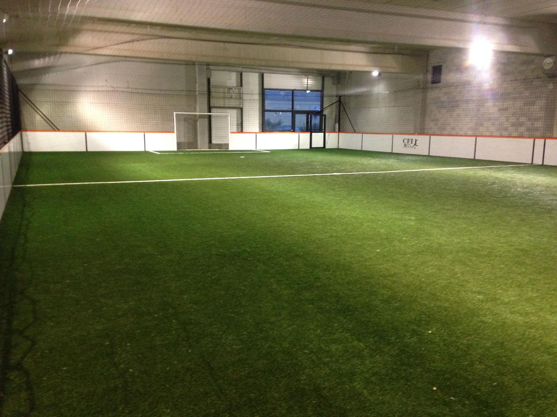 Création d'un terrain de foot en salle