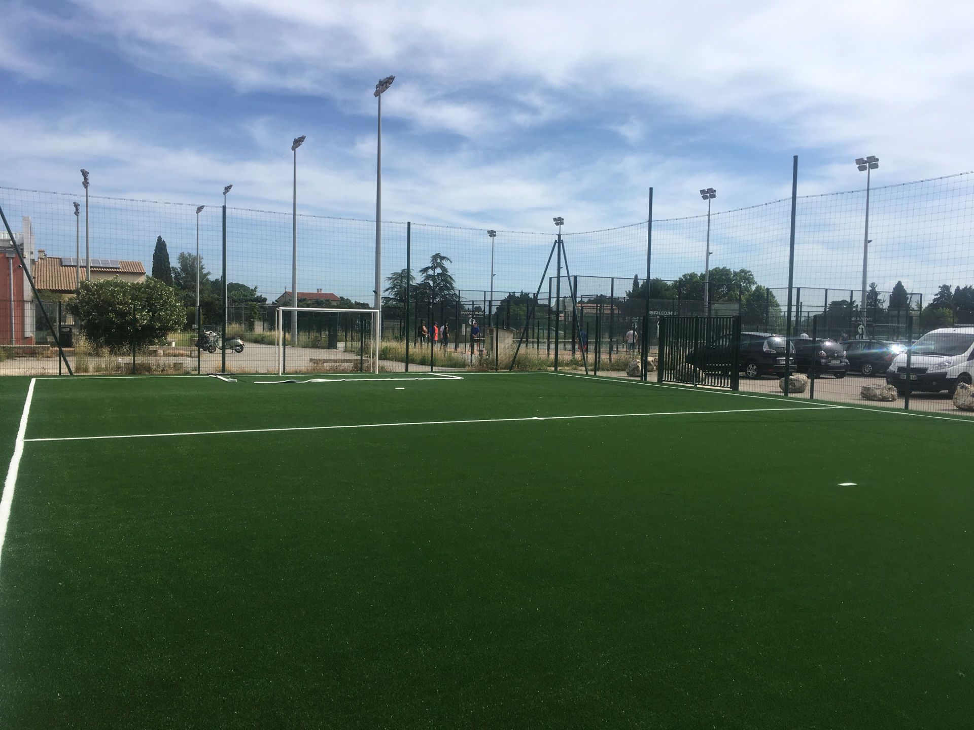 Réalisation d'un terrain de foot en salle