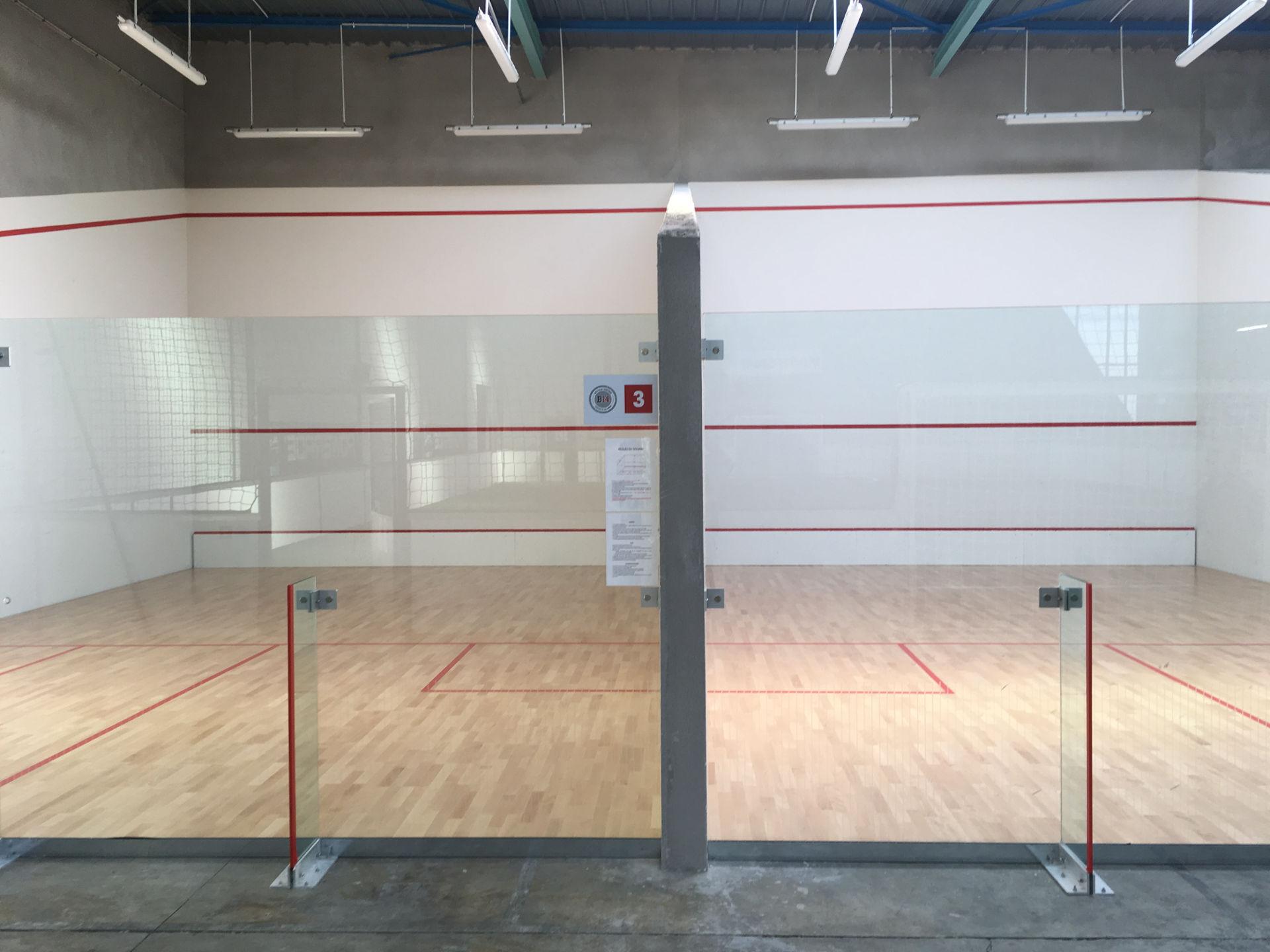 Fabrication terrain de squash