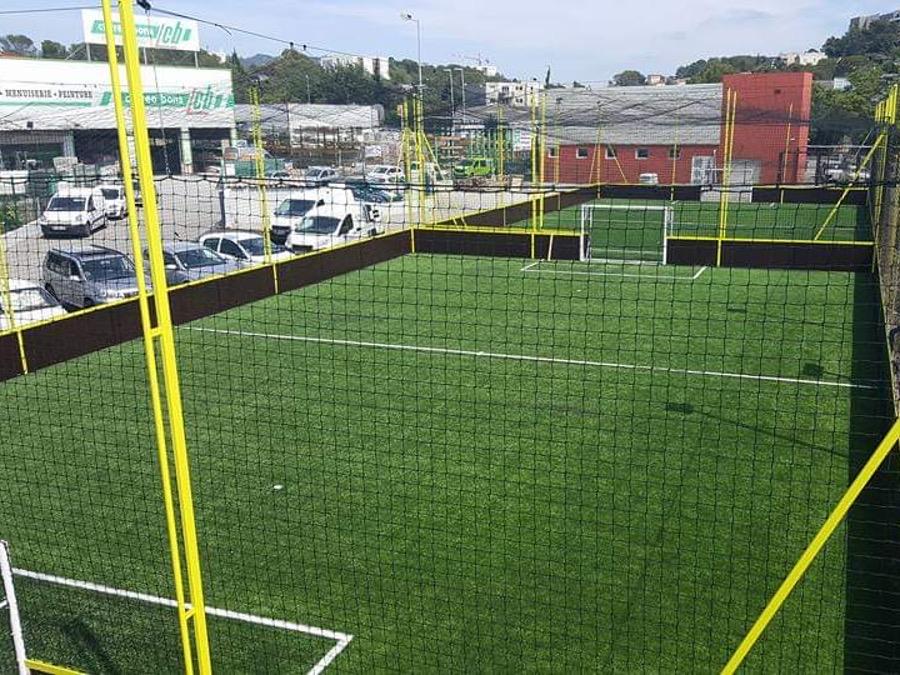 Réalisation terrain foot salle outdoor Saint-Raphaël