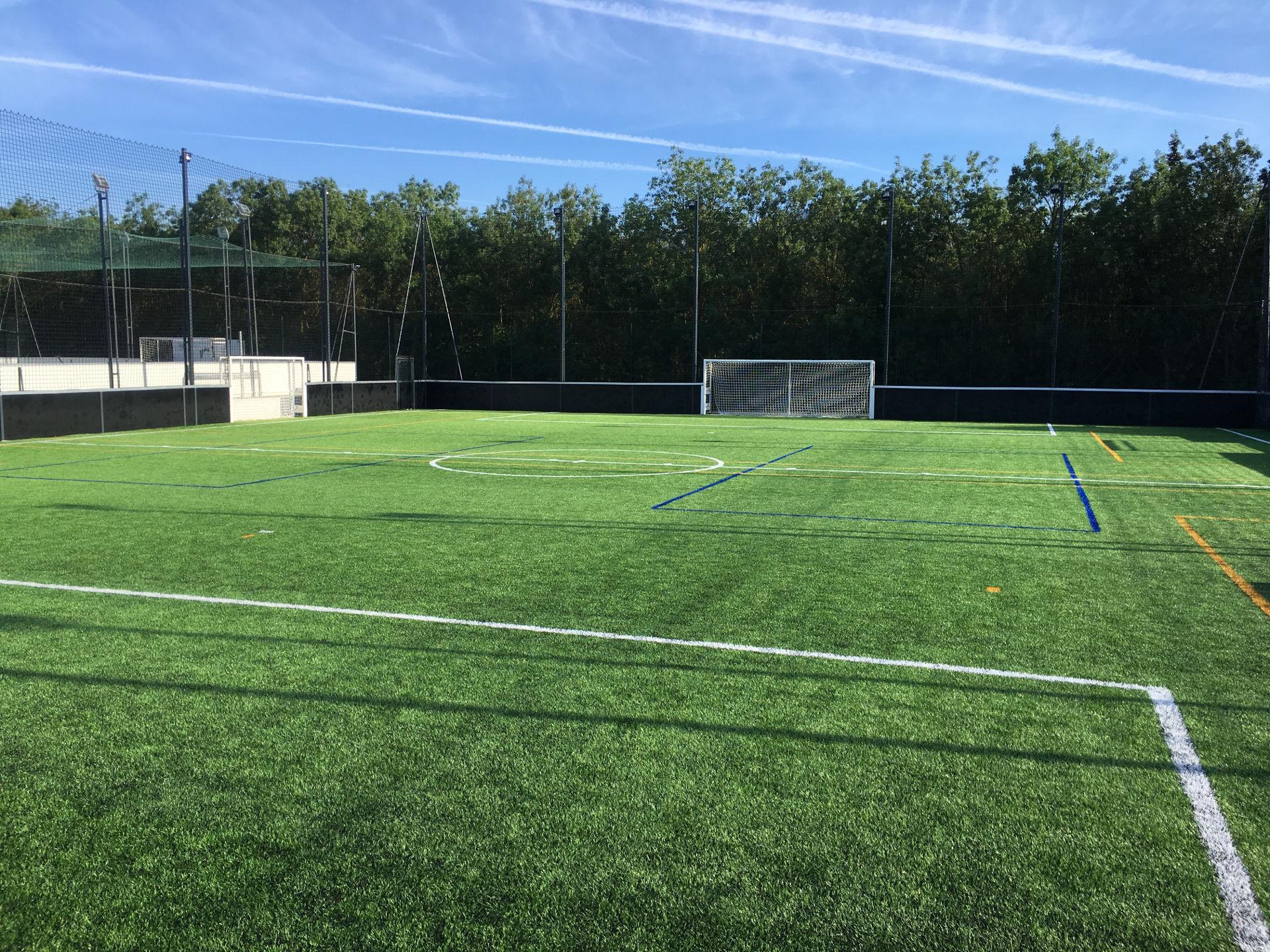 Création terrain de foot à 7 et à 5 La Garde
