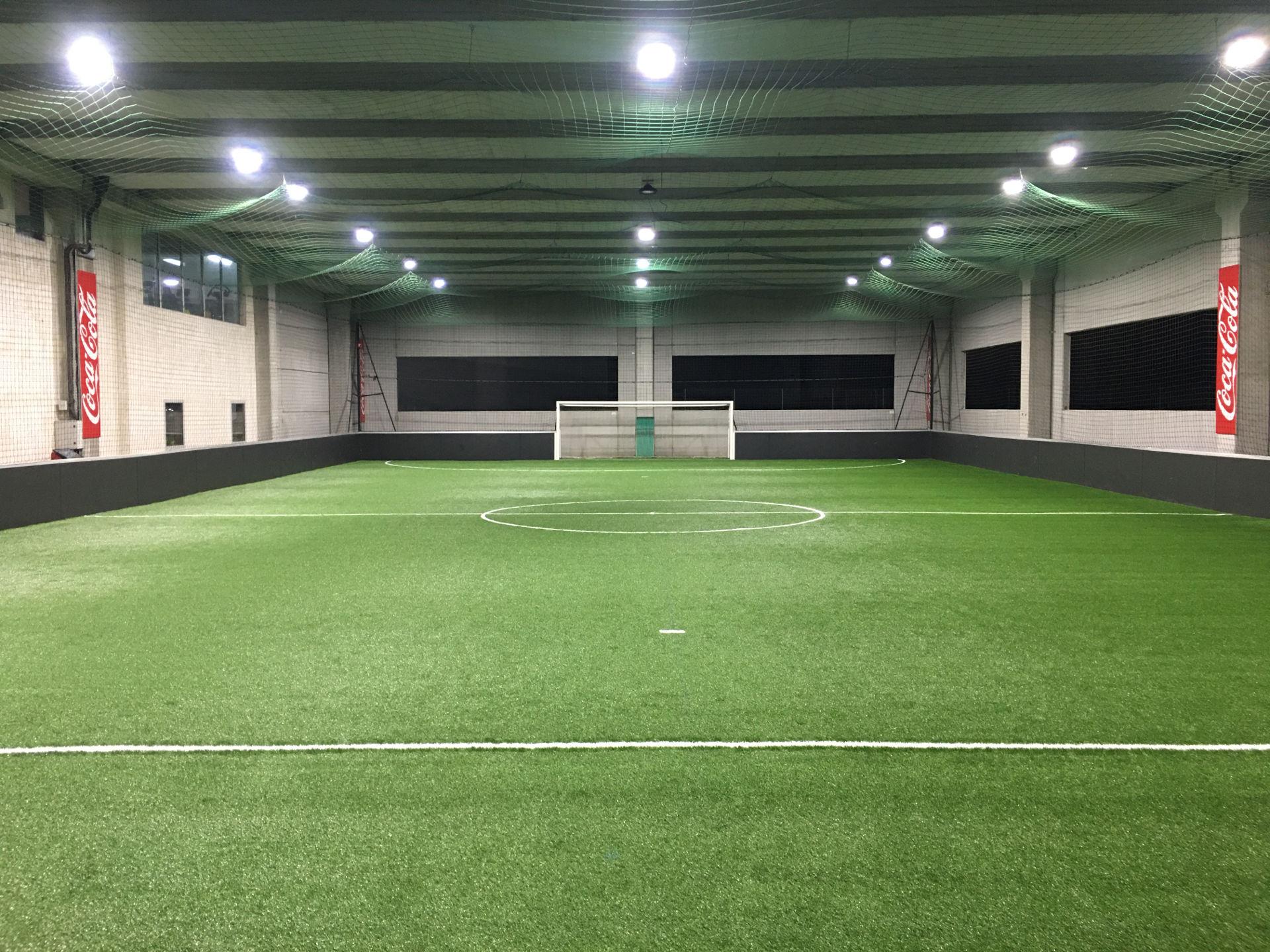 Création terrains foot en salle Ajaccio