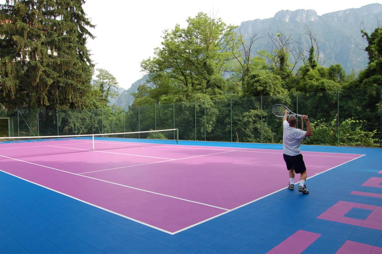 Dalles extérieur revêtement terrain de tennis