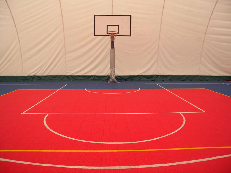 Revêtement sol terrain de basket
