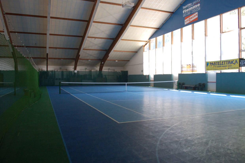 Revêtement sol terrain de tennis